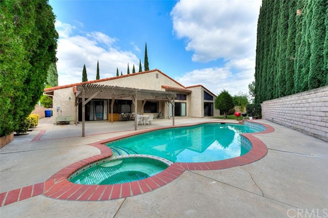 10324 Garden Grove Avenue Northridge, CA 91326 is listed for sale as MLS Listing AR17250123
