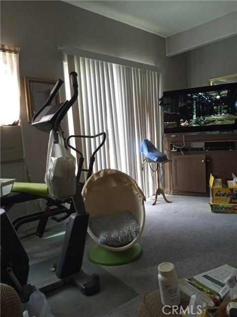 13997 Luna Road, Victorville CA: http://media.crmls.org/medias/fb6ba3a4-6a43-466d-9376-241570839531.jpg