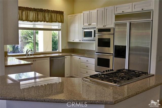 5 Varsity Circle, Rancho Mirage CA: http://media.crmls.org/medias/fb6c1f41-6651-4b6e-91a1-f27428fba2f6.jpg