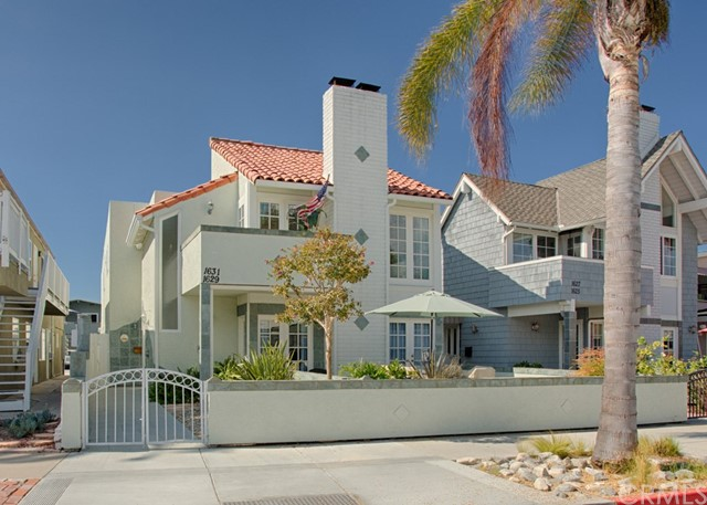 1631 E Balboa Blvd Boulev 2 Newport Beach, CA 92661 is listed for sale as MLS Listing NP18030818