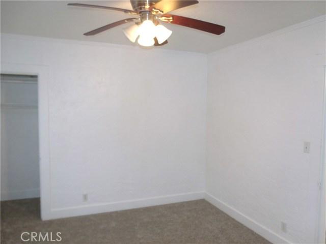 1214 Yolo Street, Corning CA: http://media.crmls.org/medias/fb93df8d-2fdd-4f01-a833-61cc3e08ddbe.jpg