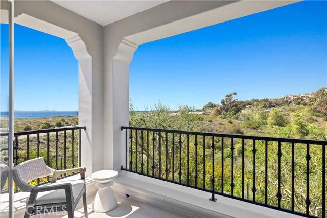 26 Sandy Cove, Newport Coast CA: http://media.crmls.org/medias/fbb50425-34d4-4ca8-9d0e-459f295d9d64.jpg