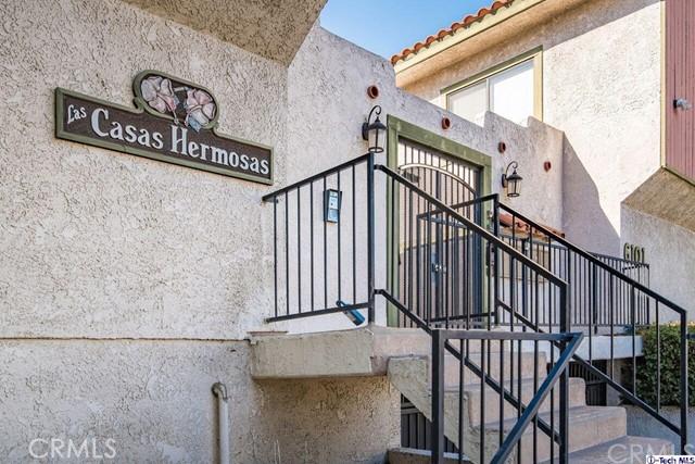 6101 Fulton Avenue, Van Nuys CA: http://media.crmls.org/medias/fbb74af0-376a-441a-a86b-01d160add99c.jpg
