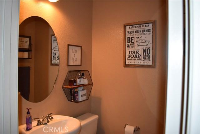 6272 Beth Page Drive, Fontana CA: http://media.crmls.org/medias/fbc89481-b1bc-4dd5-8d93-f497e03f09a3.jpg