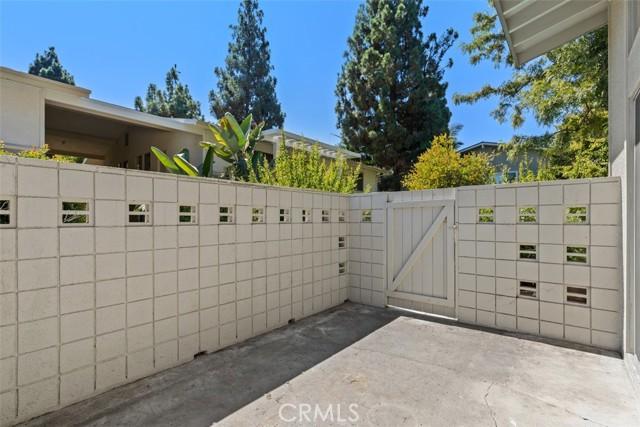 342 Avenida Sevilla, Laguna Woods CA: http://media.crmls.org/medias/fbcc46cd-d653-46d9-b948-3e8663aa614c.jpg