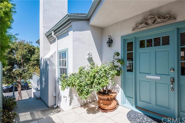 Additional photo for property listing at 520 2nd Street  Manhattan Beach, California,90266 Stati Uniti