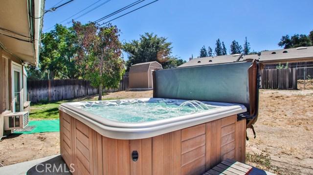 8944 Haskell Street, Riverside CA: http://media.crmls.org/medias/fbd7a864-dcbe-4ca8-9636-1628a825f2d4.jpg