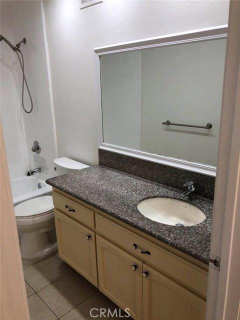 2700 Arlington Avenue, Torrance CA: http://media.crmls.org/medias/fbe12370-fdd2-44b2-9e99-f4dbd4f956a8.jpg