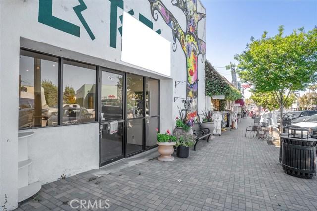 1911 S Catalina Avenue, Redondo Beach CA: http://media.crmls.org/medias/fbf3d2b7-3b82-4eda-b87a-8d1c63a45d51.jpg