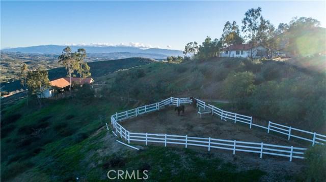 33800 Black Mountain Road, Temecula CA: http://media.crmls.org/medias/fc01373e-ae65-4365-afc0-929bea6cc8f9.jpg
