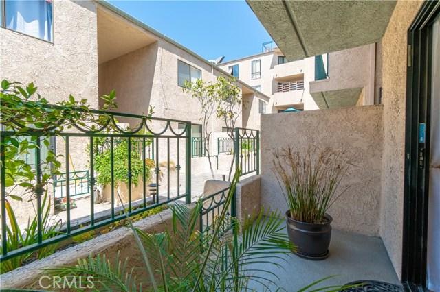 2491 Purdue Avenue, West Los Angeles CA: http://media.crmls.org/medias/fc07747f-afb2-448c-b5be-1688f457349f.jpg