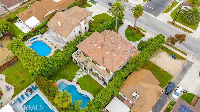 4861 Haskell Avenue, Encino CA: http://media.crmls.org/medias/fc0e5a0c-dab9-41c3-81e1-2617b5db9cec.jpg