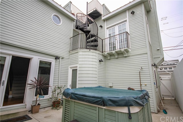 311 14th Street, Seal Beach CA: http://media.crmls.org/medias/fc10905f-0383-4e04-b6b2-4db1bf32addd.jpg