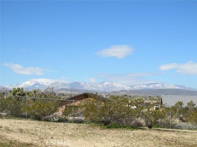 59510 Sunflower Drive, Yucca Valley CA: http://media.crmls.org/medias/fc2decf9-4b47-48c4-8aa9-49f7d5b2cc77.jpg