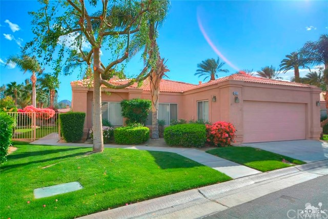 48211 Vista De Nopal La Quinta, CA 92253 is listed for sale as MLS Listing 216008124DA