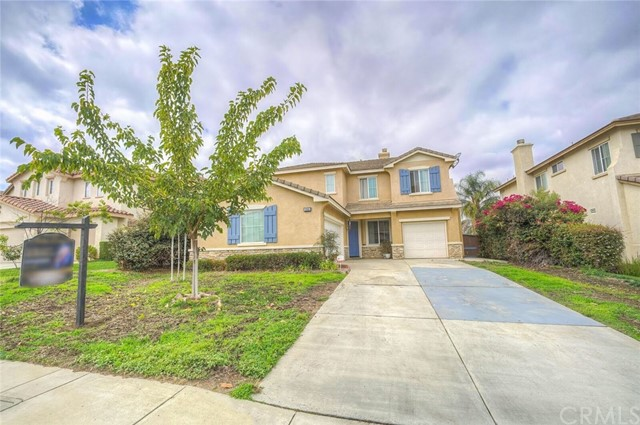 8569 Lodgepole Lane , CA 92508 is listed for sale as MLS Listing CV17190918