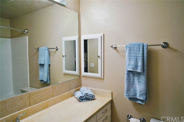 603 S Prospect Avenue, Redondo Beach CA: http://media.crmls.org/medias/fc32a9b4-4f06-4a99-9629-75ccebddfde2.jpg
