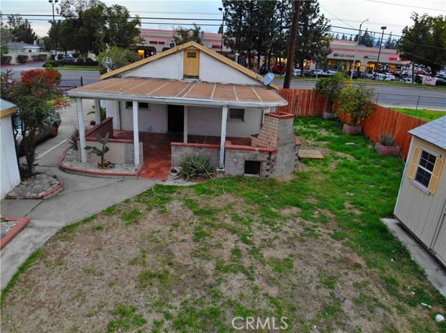 8181 Citrus Avenue, Fontana CA: http://media.crmls.org/medias/fc359b80-d204-4be9-aed6-0137a90166ee.jpg