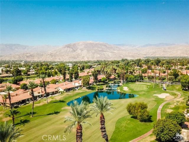 241 Castellana, Palm Desert CA: http://media.crmls.org/medias/fc387ce1-c7dc-4ba7-9b3d-3538ee127a9c.jpg