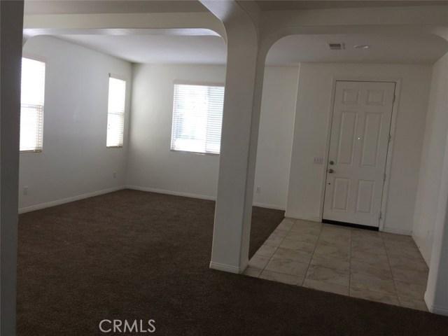 11818 Indian Hills Lane, Victorville CA: http://media.crmls.org/medias/fc46f858-4e9b-47ae-8353-27ee0dea1481.jpg