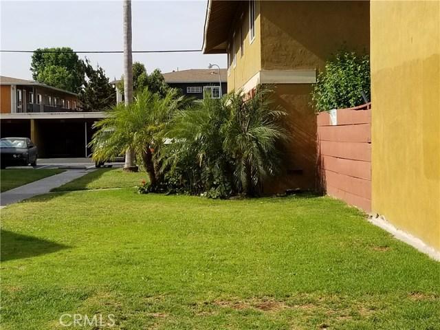 624 S Sullivan Street, Santa Ana CA: http://media.crmls.org/medias/fc48111f-87de-4c68-865d-63e5a24eb997.jpg