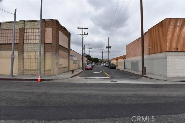 757 E Washington Boulevard, Los Angeles CA: http://media.crmls.org/medias/fc563767-0367-4552-b1b0-d0046242d0c2.jpg