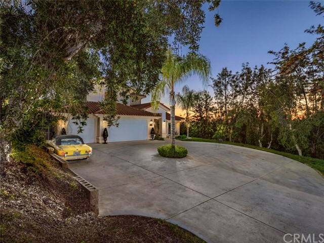 Single Family Home for Sale at 1121 Laura Lane Escondido, California 92025 United States