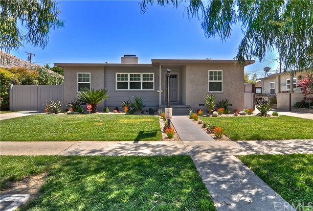 Single Family Home for Sale at 3240 Marwick Avenue Long Beach, California 90808 United States