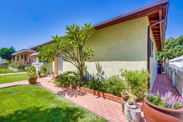 285 E Norton Street, Long Beach CA: http://media.crmls.org/medias/fc5f5a89-b1b7-4e00-8ab4-e4c6b0818c55.jpg