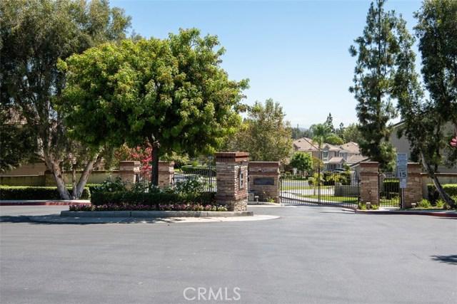 1256 Coach House Court, Fullerton CA: http://media.crmls.org/medias/fc62be52-aa75-4c8b-89b4-0177a8963527.jpg