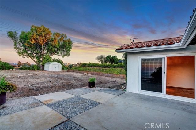 5850 Finecrest Drive, Rancho Palos Verdes CA: http://media.crmls.org/medias/fc6a3791-2cb1-4dd0-93e5-b7baea4fb918.jpg