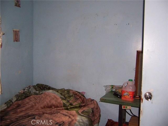 1648 E 32ND STREET, Los Angeles CA: http://media.crmls.org/medias/fc6f1b76-e92c-43c1-8286-5f1adf1cf060.jpg