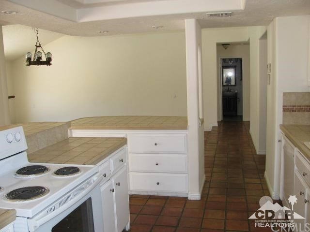 1420 Rosarito Way, Palm Springs CA: http://media.crmls.org/medias/fc7ba7a8-53bb-4cd3-94ba-dfe43c924b7e.jpg