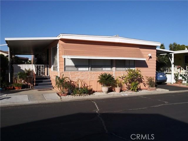 323 N Euclid Street, Santa Ana CA: http://media.crmls.org/medias/fc7cdd93-d93d-4256-aadd-b581d5263f0d.jpg