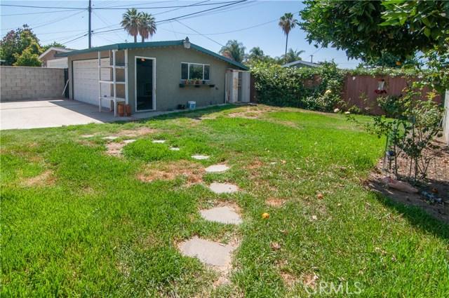 17018 E Bellbrook Street, Covina CA: http://media.crmls.org/medias/fc8e9a8c-9be6-47a6-be82-1286e3bec1db.jpg