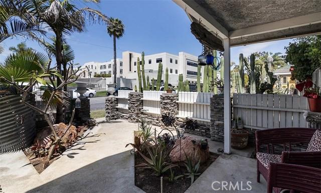 716 14th Street, Huntington Beach CA: http://media.crmls.org/medias/fc9409a4-d4a6-4bb6-9469-b4b9b537ce88.jpg