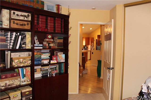 6645 Brighton Place, Alta Loma CA: http://media.crmls.org/medias/fc9d488b-fff9-4543-8d1c-916778549954.jpg