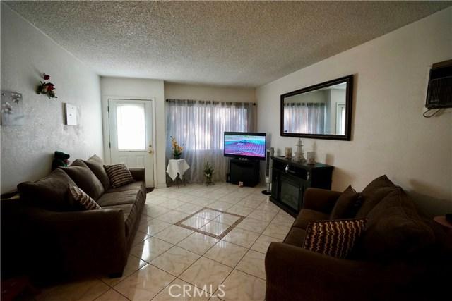 395 W Grand Avenue, Pomona CA: http://media.crmls.org/medias/fca88488-2dcb-4527-99e3-666a01b6a807.jpg