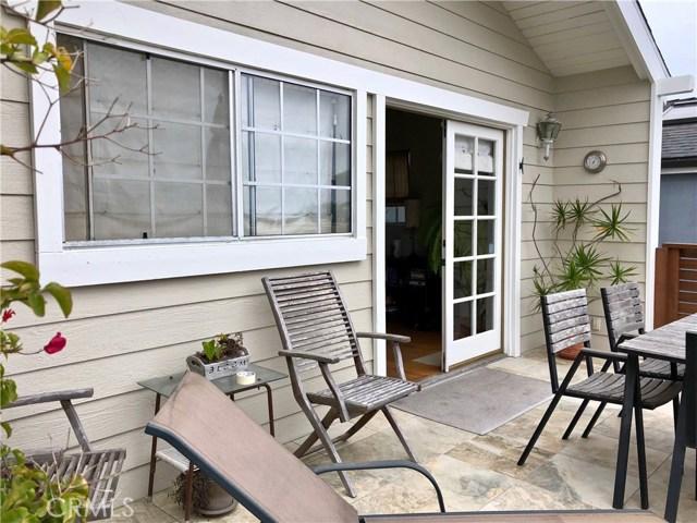 1130 1st Place, Hermosa Beach CA: http://media.crmls.org/medias/fcaa2aab-b290-4240-8744-99420feb97af.jpg