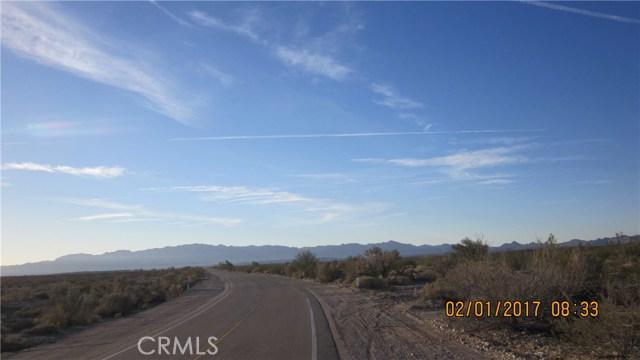 1 Highway 95, Needles CA: http://media.crmls.org/medias/fcbefab3-a1e9-4240-ab54-9d63b5dbdb9c.jpg