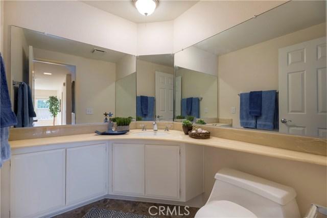 1800 Clear Creek Drive, Fullerton CA: http://media.crmls.org/medias/fcce5d20-24a4-437d-80f3-6066e7a2a3a5.jpg