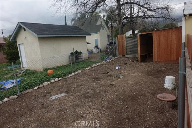 6856 Victoria Avenue, Highland CA: http://media.crmls.org/medias/fcd4cb98-0da2-450f-8543-c40b974187a6.jpg