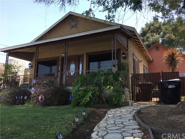 814 E Graves Avenue, Monterey Park CA: http://media.crmls.org/medias/fcd7c42e-7047-4549-b2d4-73689f55428d.jpg