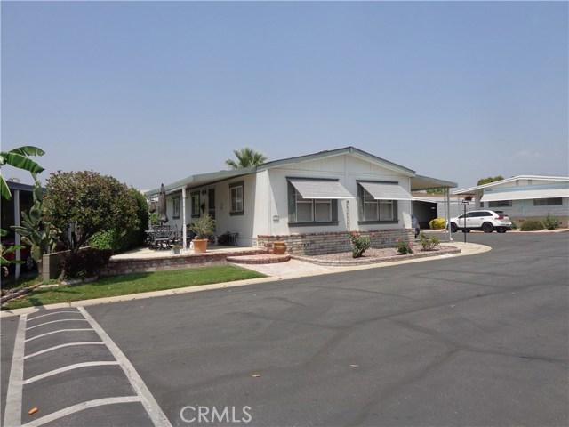 1251 E Lugonia Avenue, Redlands CA: http://media.crmls.org/medias/fce42533-8164-4866-9ca0-c17bf26b48bf.jpg