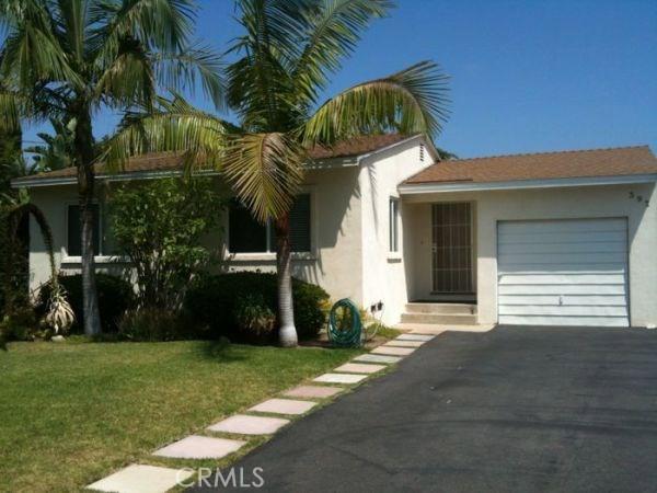 392 Ralcam Place, Costa Mesa CA: http://media.crmls.org/medias/fce83d5f-820c-49be-803b-ac6e2ef05c3f.jpg