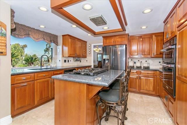 7117 E Columbus S Drive, Anaheim Hills CA: http://media.crmls.org/medias/fce8401d-6c30-444c-a6e2-4ea4e60e6f44.jpg