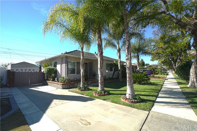 Single Family Home for Sale at 5418 Coralite Street E Long Beach, California 90808 United States