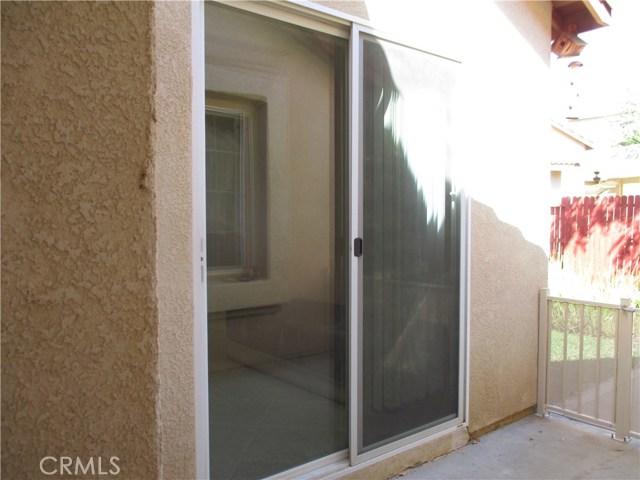 1147 Desert Fox Court, Beaumont CA: http://media.crmls.org/medias/fcee7e0b-e912-497e-9e2b-2b238e2bfaa5.jpg