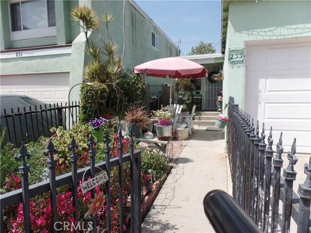 233 E 51st St, Long Beach, CA 90805 Photo 1