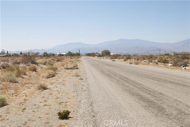 5 Kay Road, Desert Hot Springs CA: http://media.crmls.org/medias/fd1e918c-9f30-4e84-8e9c-766422211317.jpg